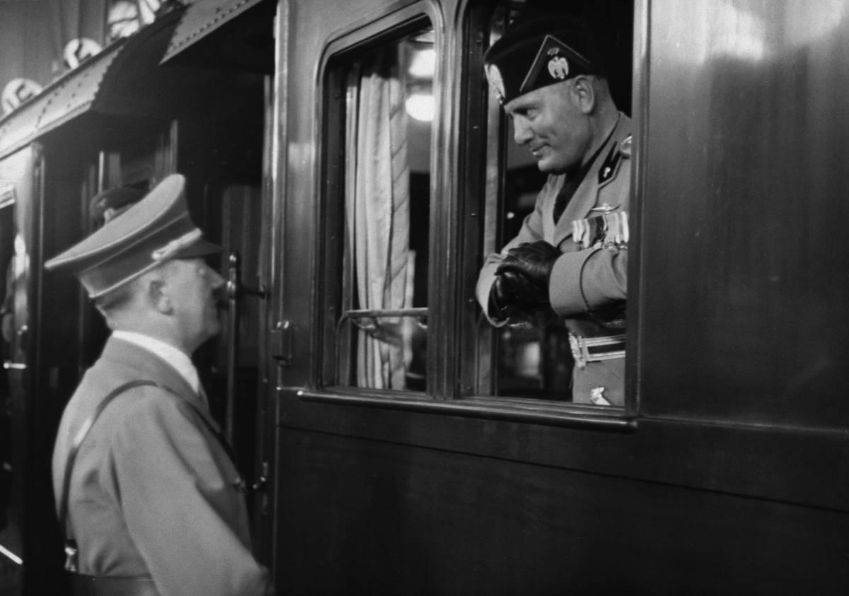 """Il Fuhrer: """"Quei vigliacchi di italiani  stanno per tradire Mussolini"""""""