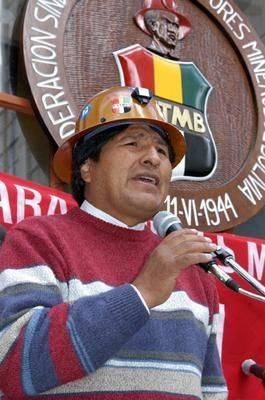 Roma, Morales resta imbottigliato nel traffico
