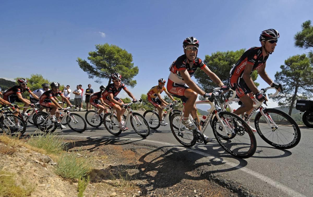 Vuelta: tappa a Hesjedal, Valverde resiste, bene Cunego e Basso
