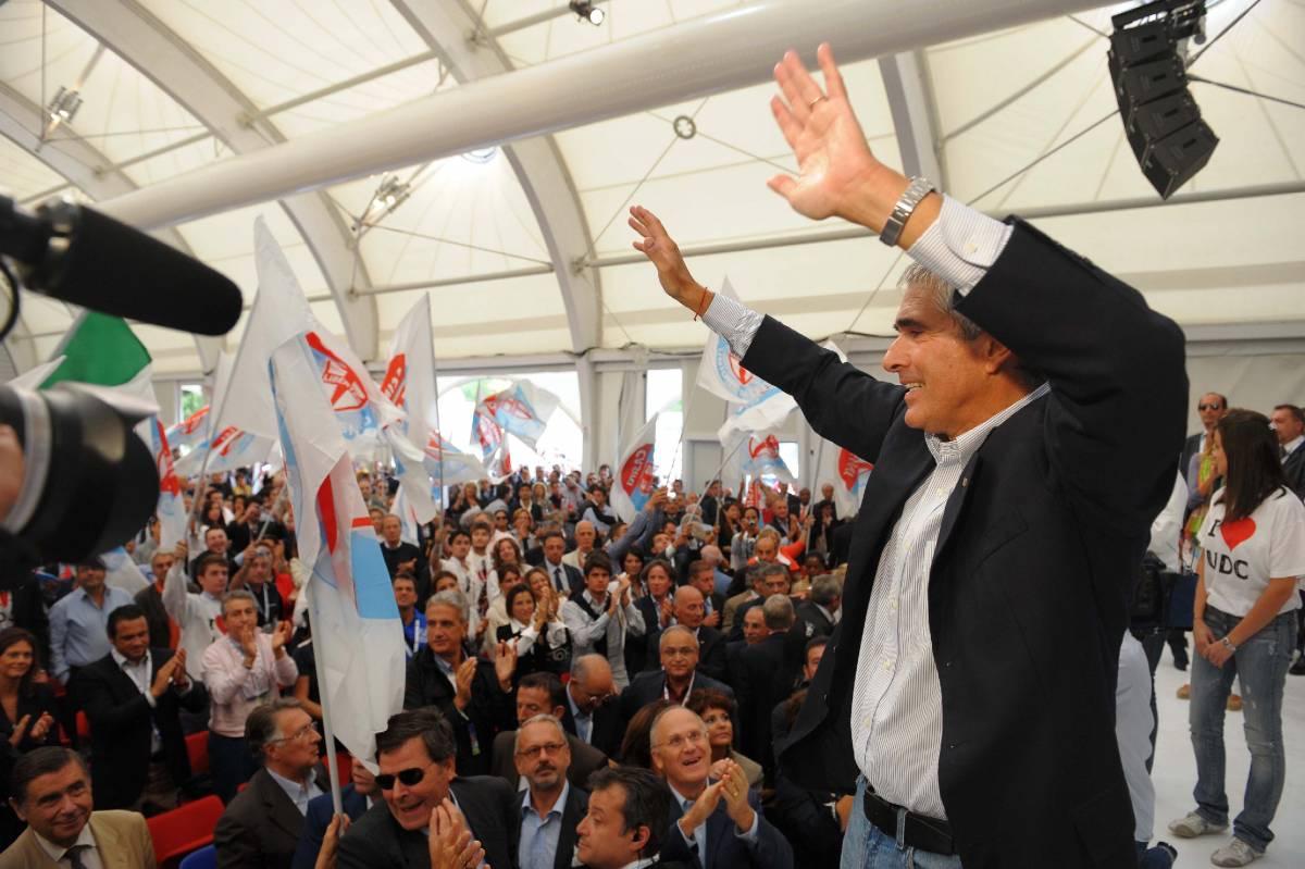 """Casini: """"Elezioni? Bossi non spaventa nessuno  Serve un grande centro equidistante da Pdl e Pd"""""""