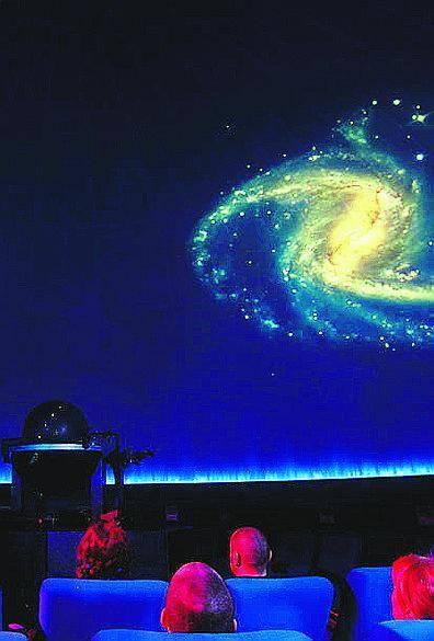 Planetario Tra scienza e cabaret, l'astronomia a portata di tutti