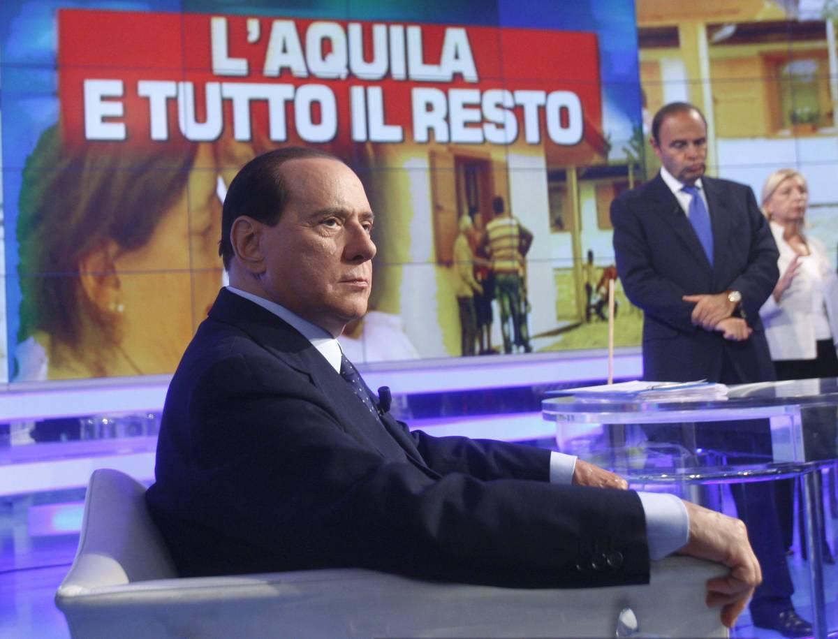 """Premier: """"Politica, giornali e tv: troppi farabutti"""""""