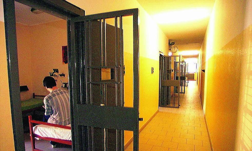 Albanese ottiene gli arresti domiciliari. In carcere