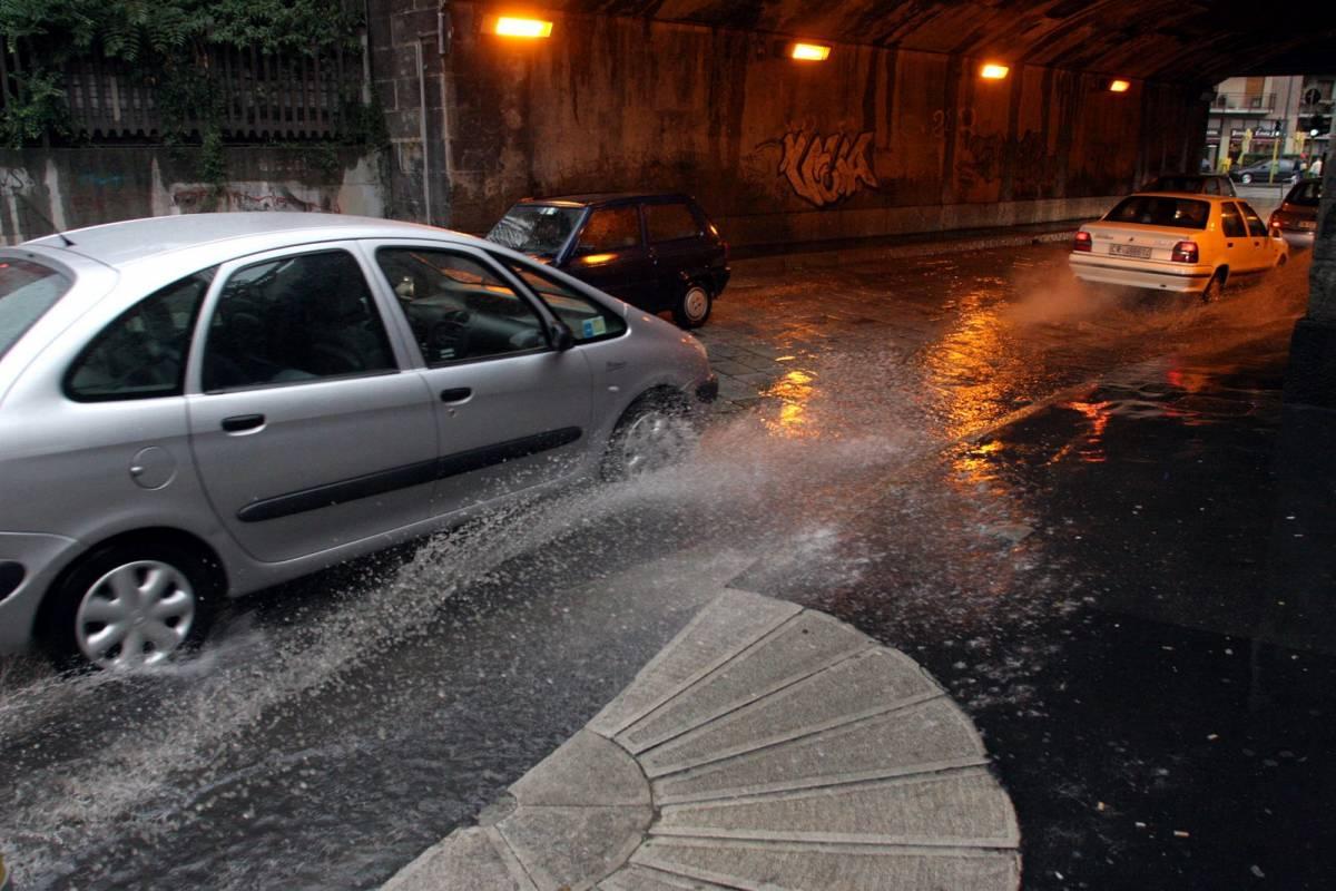 Pioggia al Sud, Palermo:   automobilisti intrappolati