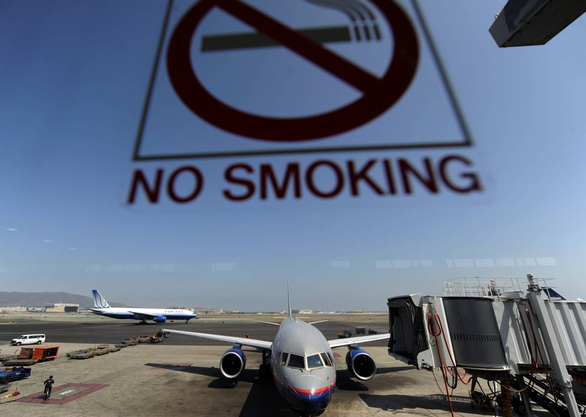 """Bionde"" in aereo, ma niente fumo"