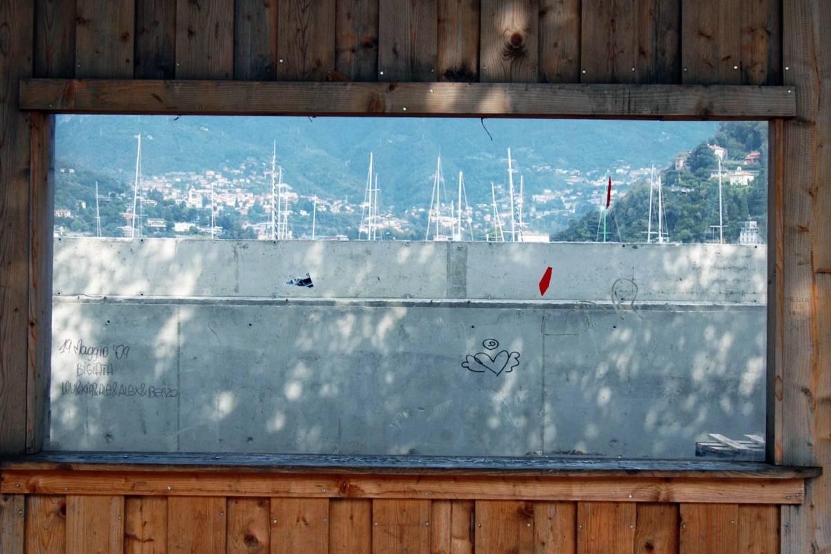 Quel muro di Como   che fa sparire il lago