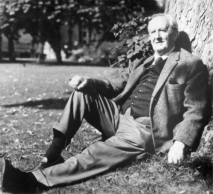 J.R.R. Tolkien mancata spia, rifiutò un lauto ingaggio dei servizi segreti inglesi