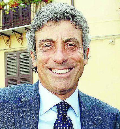 Barca di guai per il sindaco di Palermo