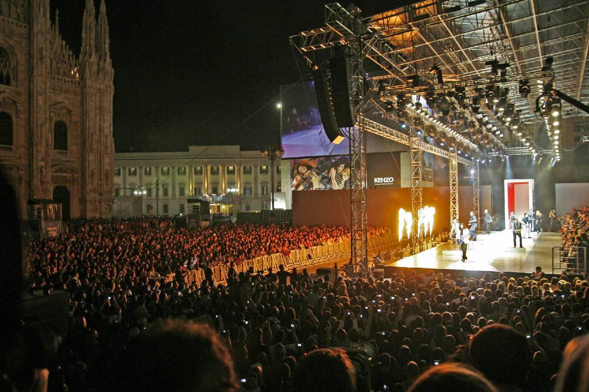 In piazza Duomo la moda veste rock