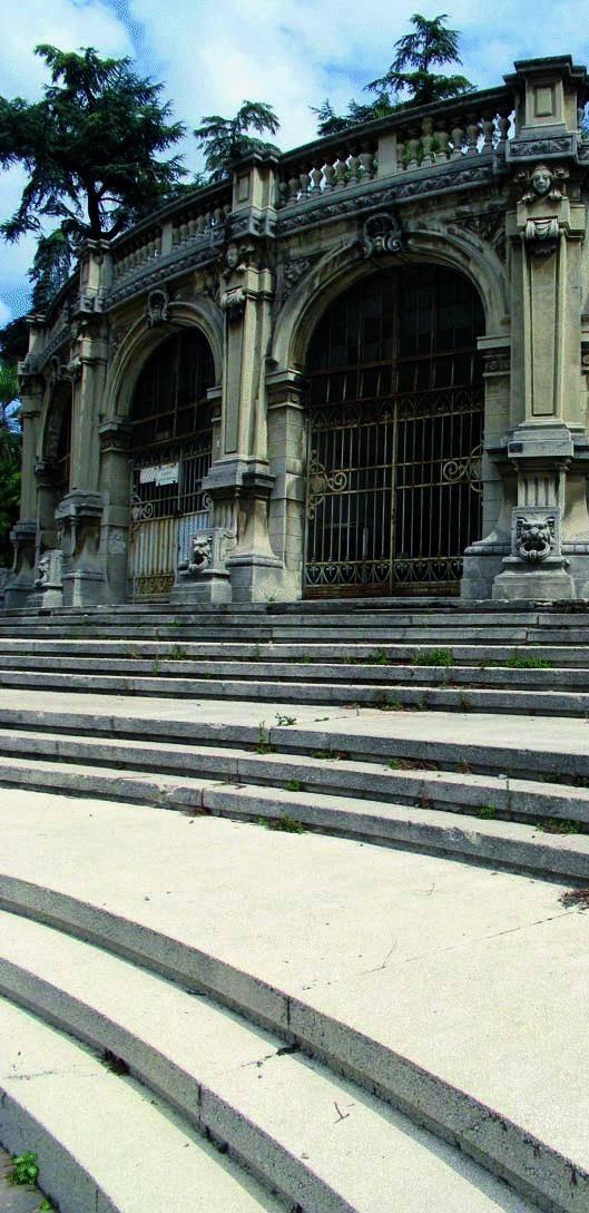 Scalinata Borghese come Trinità dei Monti per il galà della moda