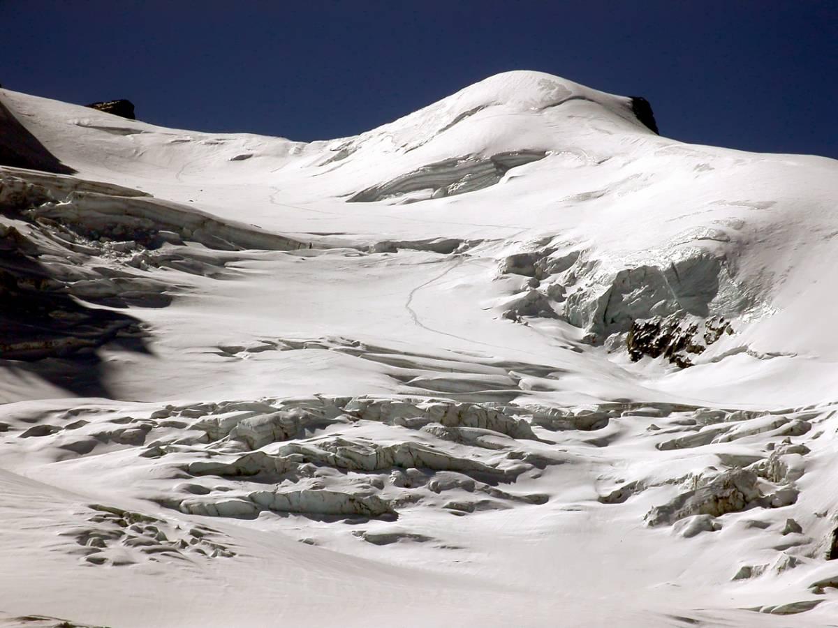 Clima, temperature più calde:  ghiacciai ristretti, allarme Po