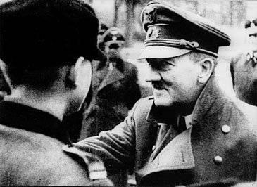 Hitler (forse) non morì nel bunker. E il teschio...
