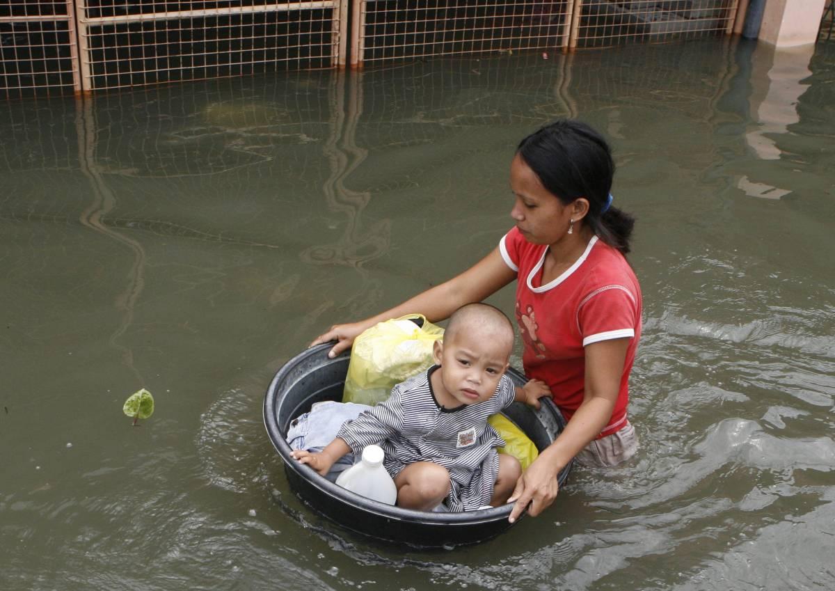 E il tifone Ketsana fa oltre 330 vittime
