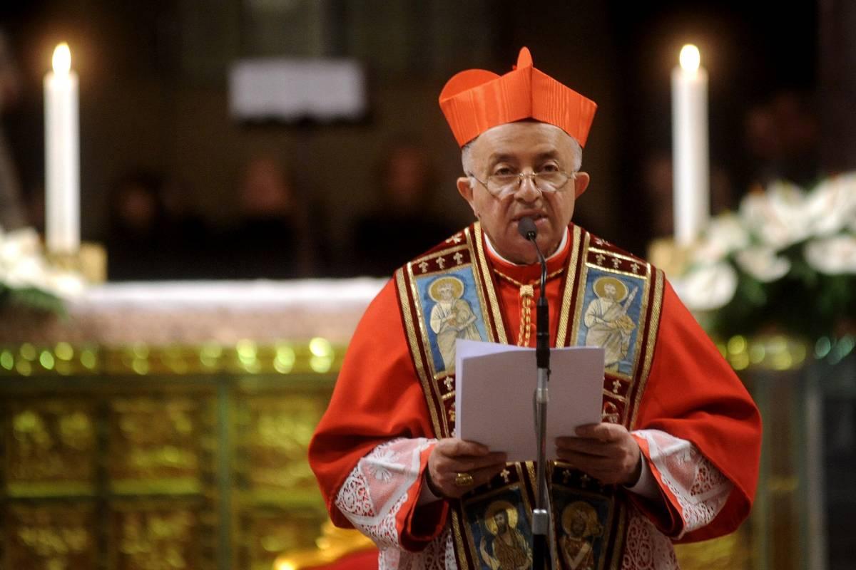 """La Lega contro Tettamanzi: """"Vescovo o imam?""""   Il cardinale: """"Sono sereno, riscopro la libertà"""""""