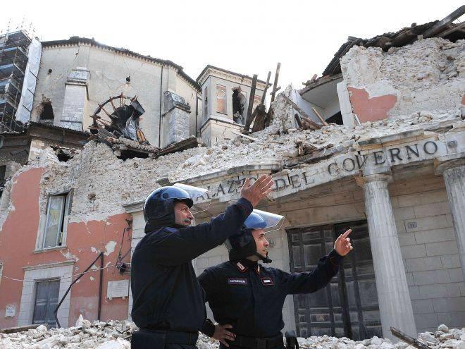 """L'Aquila, indagata commissione """"Grandi rischi"""" Bertolaso: """"Perseguitano chi ha responsabilità"""""""