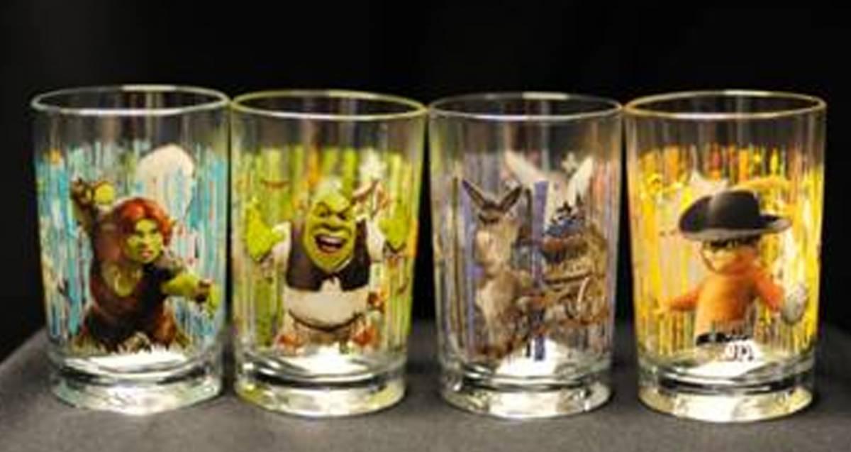 McDonald, bicchieri di Shrek tossici: ritirati