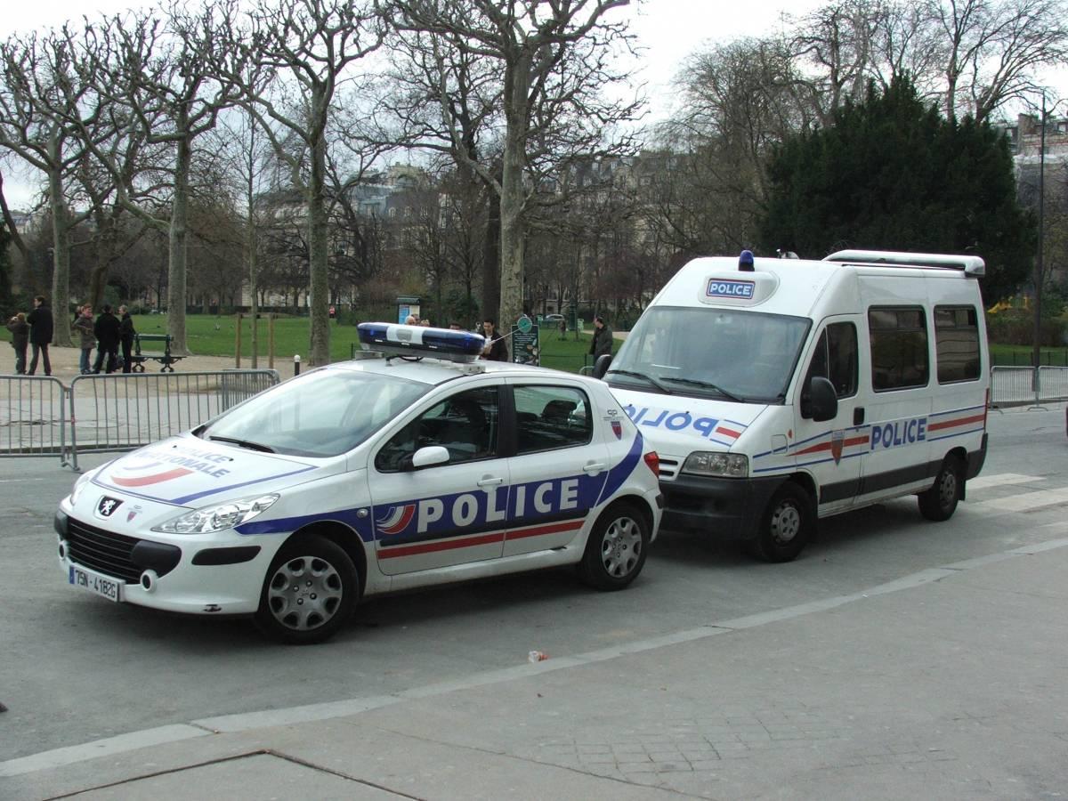 Parigi, muore bambina di 16 mesi:  lasciato per 4 ore nell'auto al sole