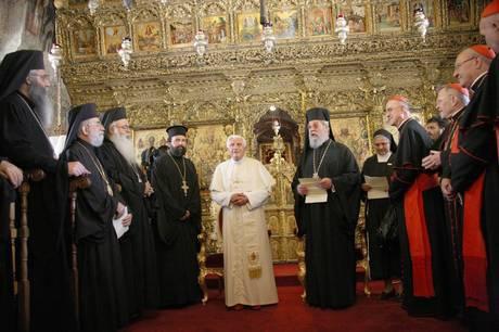 """Cipro, il Papa ai cristiani:  """"Importante non lasciare  la zona del Medio Oriente"""""""