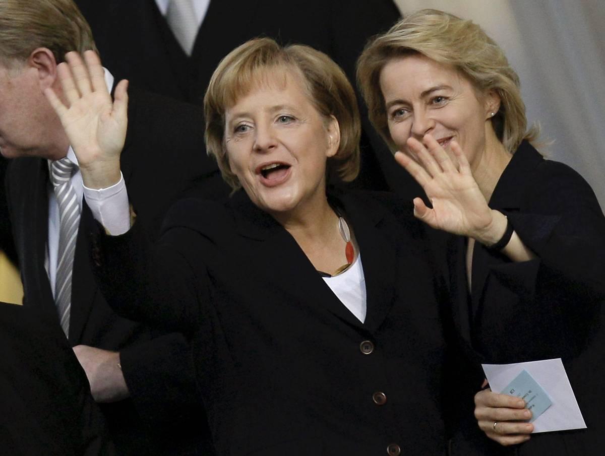 Crisi, Merkel taglia: via 15mila posti nel pubblico
