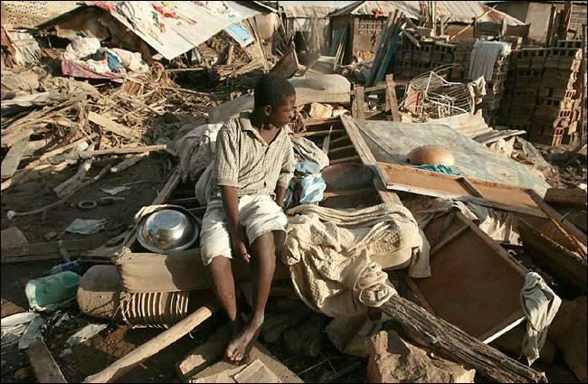 Sei mesi dopo la tragedia  Dove sono finiti i soldi  per ricostruire Haiti?