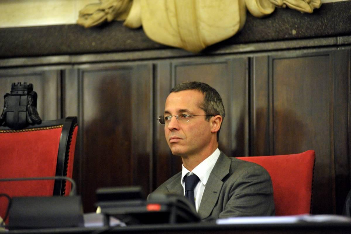 """Massari costretto a dimettersi:  """"Tornerò quando mi scagionano"""""""