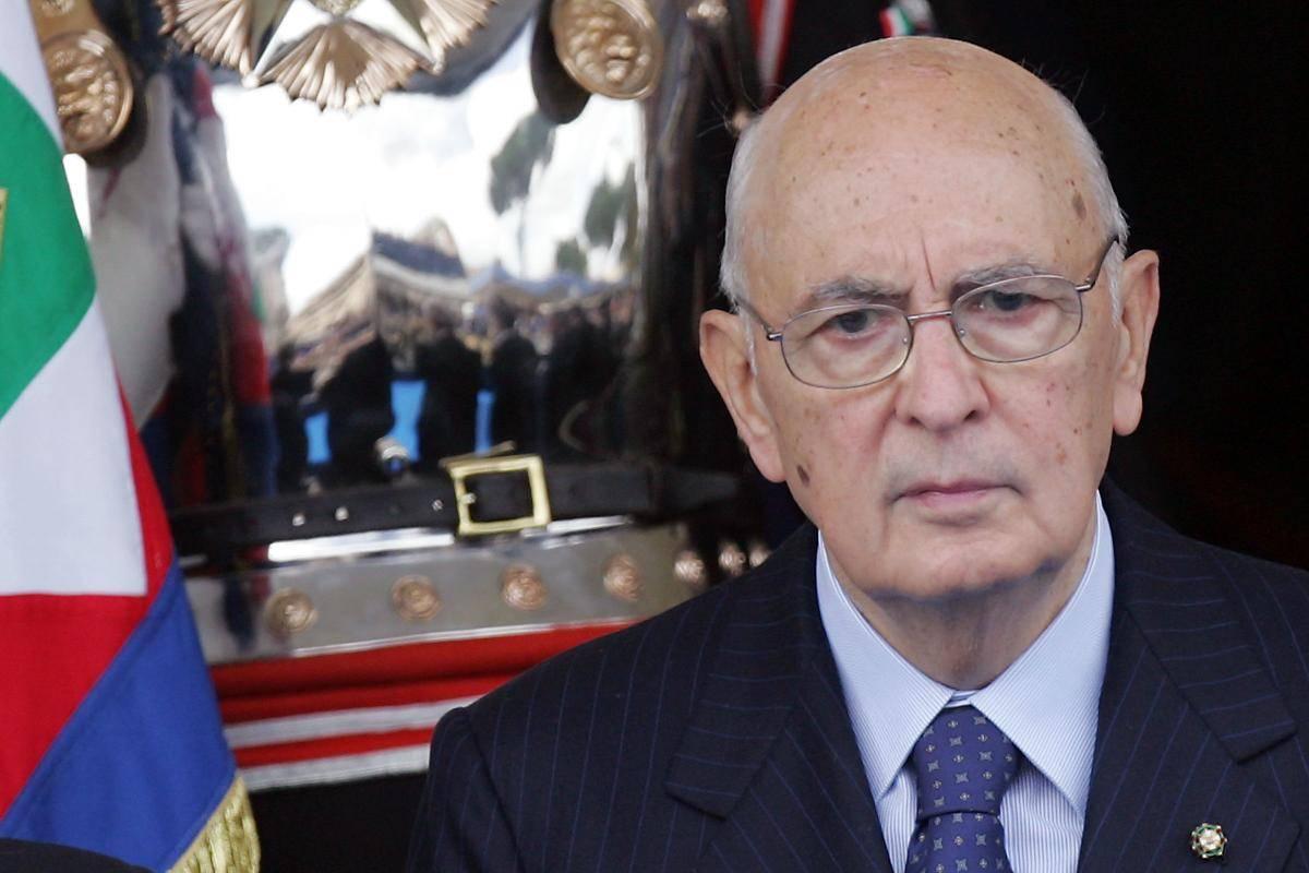 """Crisi, Napolitano: """"Serve il contributo di tutti   per superare la difficile situazione economica"""""""