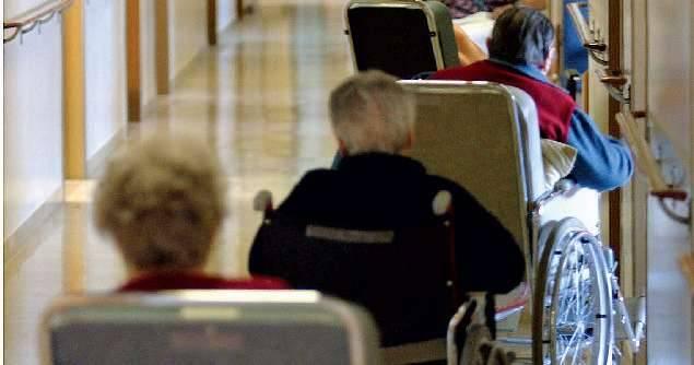 Sedicimila anziani  in cerca di un posto  nelle case di riposo