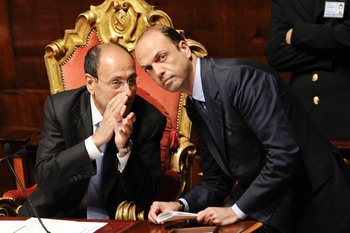 """Intercettazioni, sì alla fiducia: il ddl alla Camera  Napolitano: """"Niente firma? Parlano a vanvera"""""""