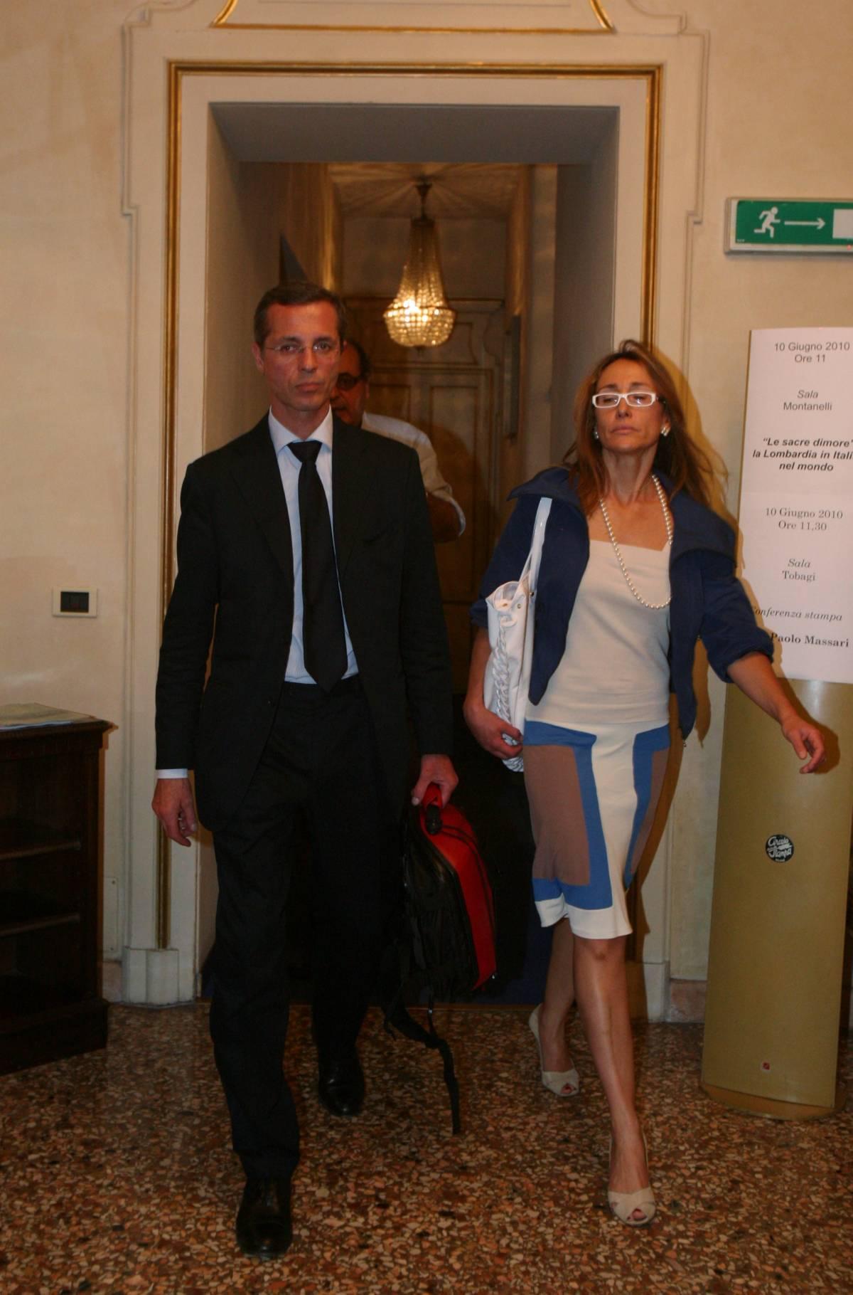 """La moglie di Massari: """"Sto con lui  Paolo è stato trattato da mostro"""""""