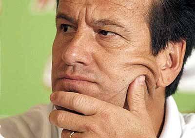 Dunga litiga con la stampa e nasconde il Brasile