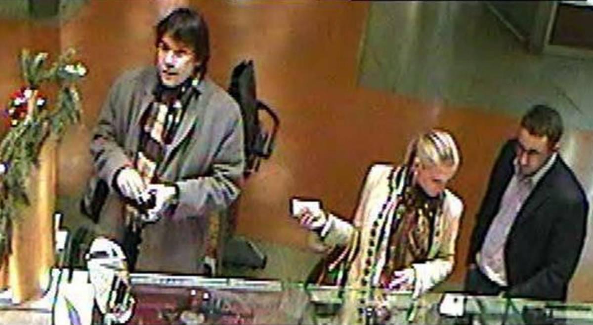 """Presa la banda della """"bella ungherese"""":  distraeva i commessi e i complici rubavano"""