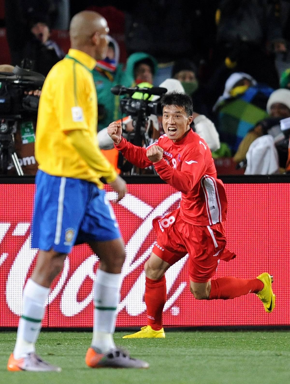 Il Brasile si sveglia tardi, che fatica con la Corea: 2-1