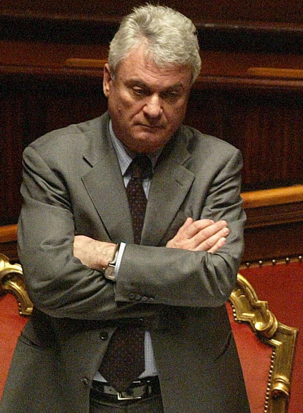 """Brancher, Franceschini:  """"Sfiducia per il ministro""""  Ma Udc: """"No se c'è l'Idv"""""""