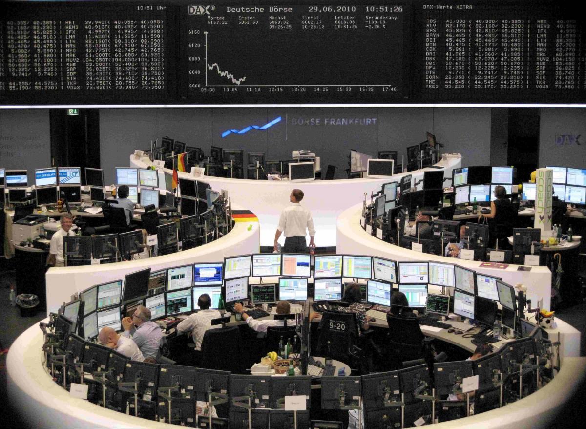 Crollano i mercati europei  Bruciati oltre 145 miliardi  Piazza Affari giù del 4,4%