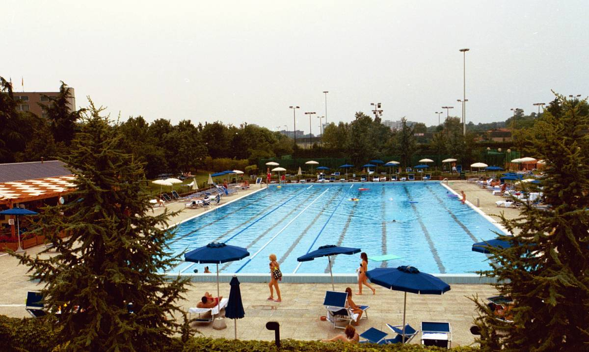 Roma regno di piscine  Alemanno-Moratti: 54-0