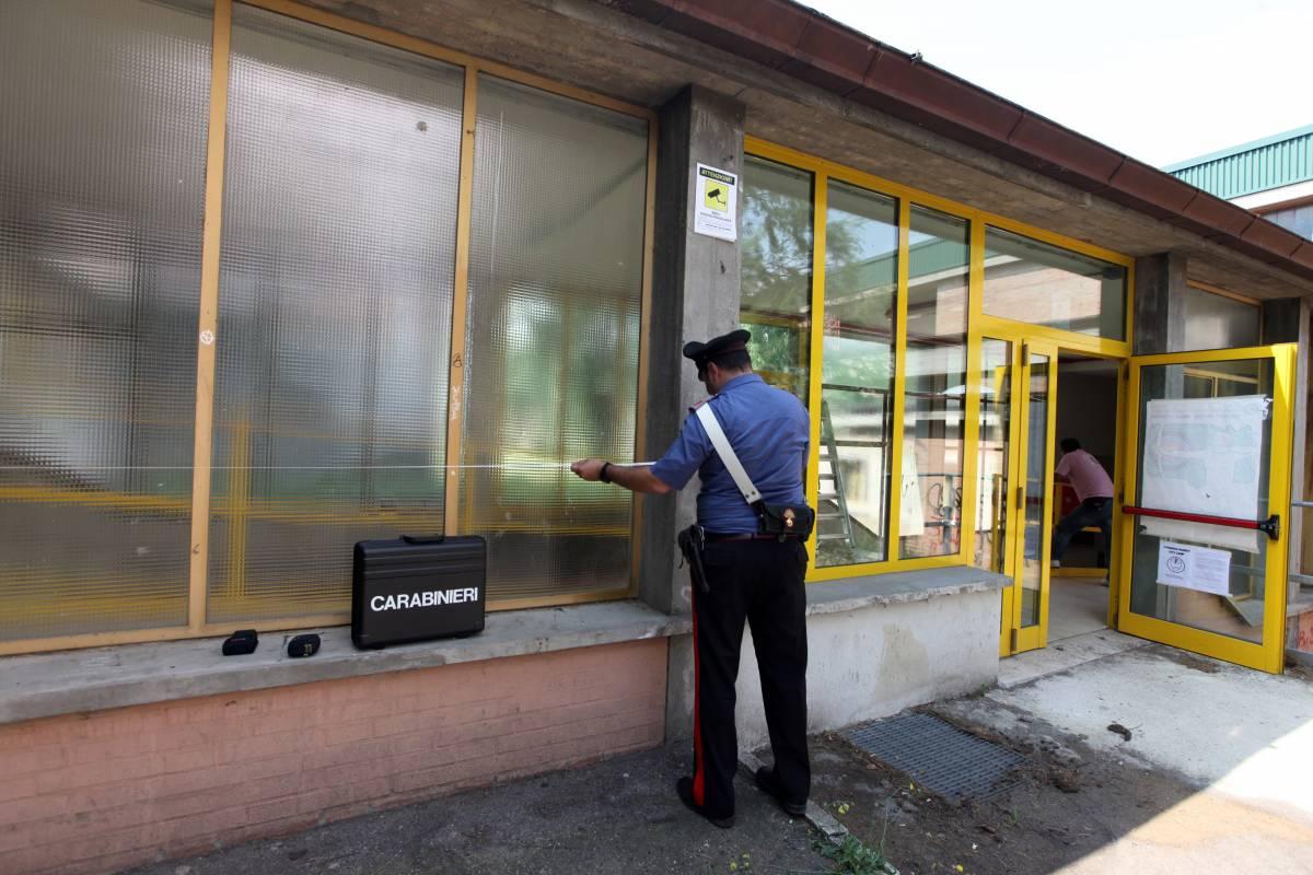 Tragedia nel Bolognese,  cade dal tetto della scuola  Ragazzo in coma: è grave
