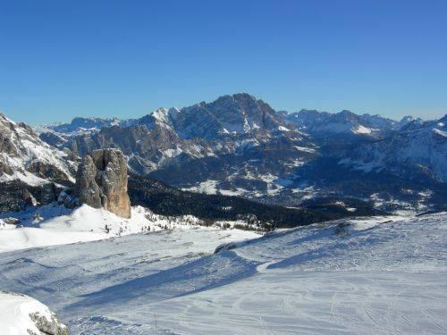 """Dolomiti, il Monte Cristallo  """"vale"""" appena 259mila euro"""