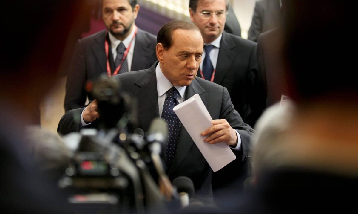"""Berlusconi: """"Amo le donne e non cambio""""   Niente pressioni, il giudice fece uscire Ruby"""