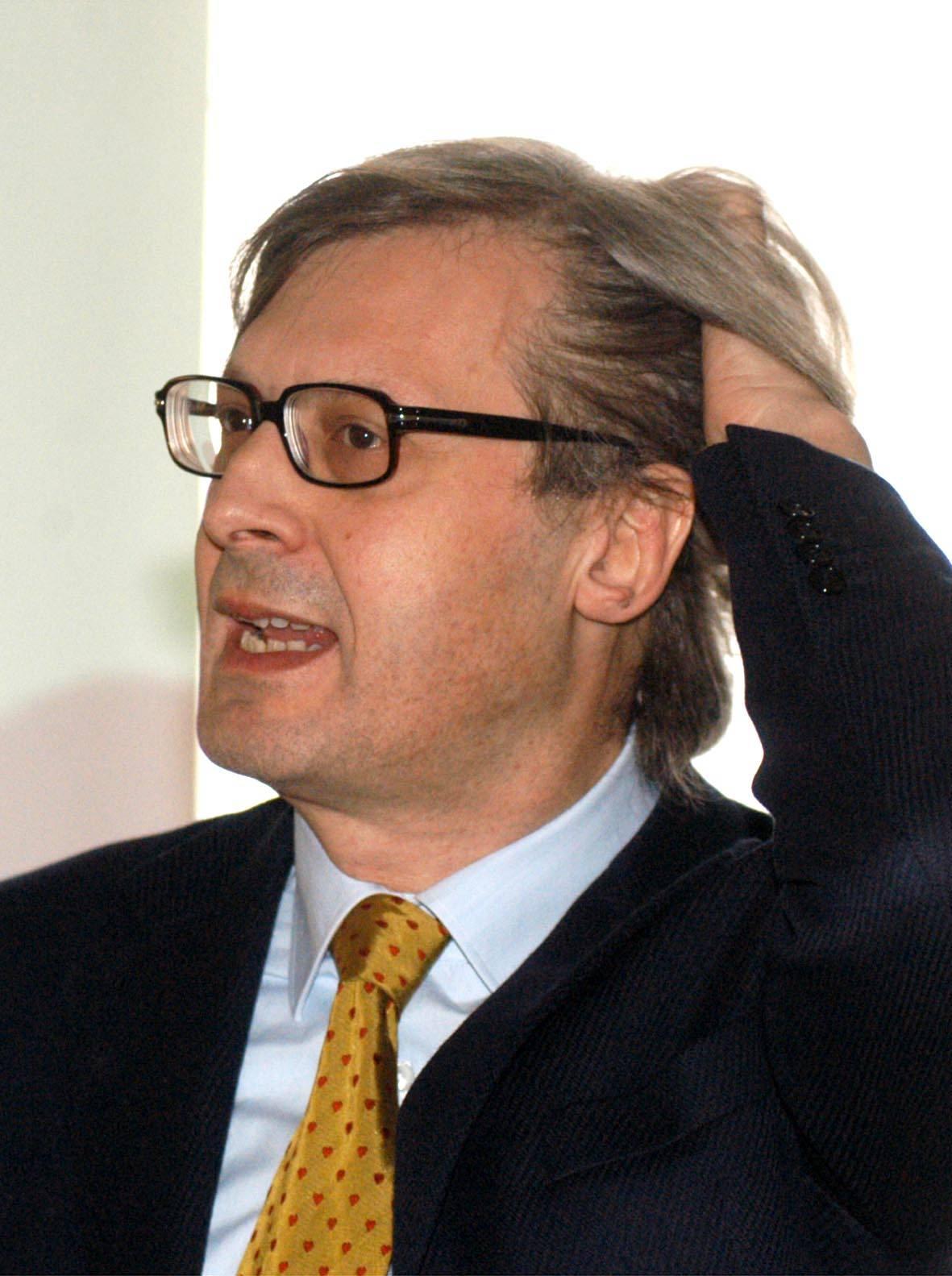 """Sgarbi: """"Sarò l'anti-Saviano della tv"""""""