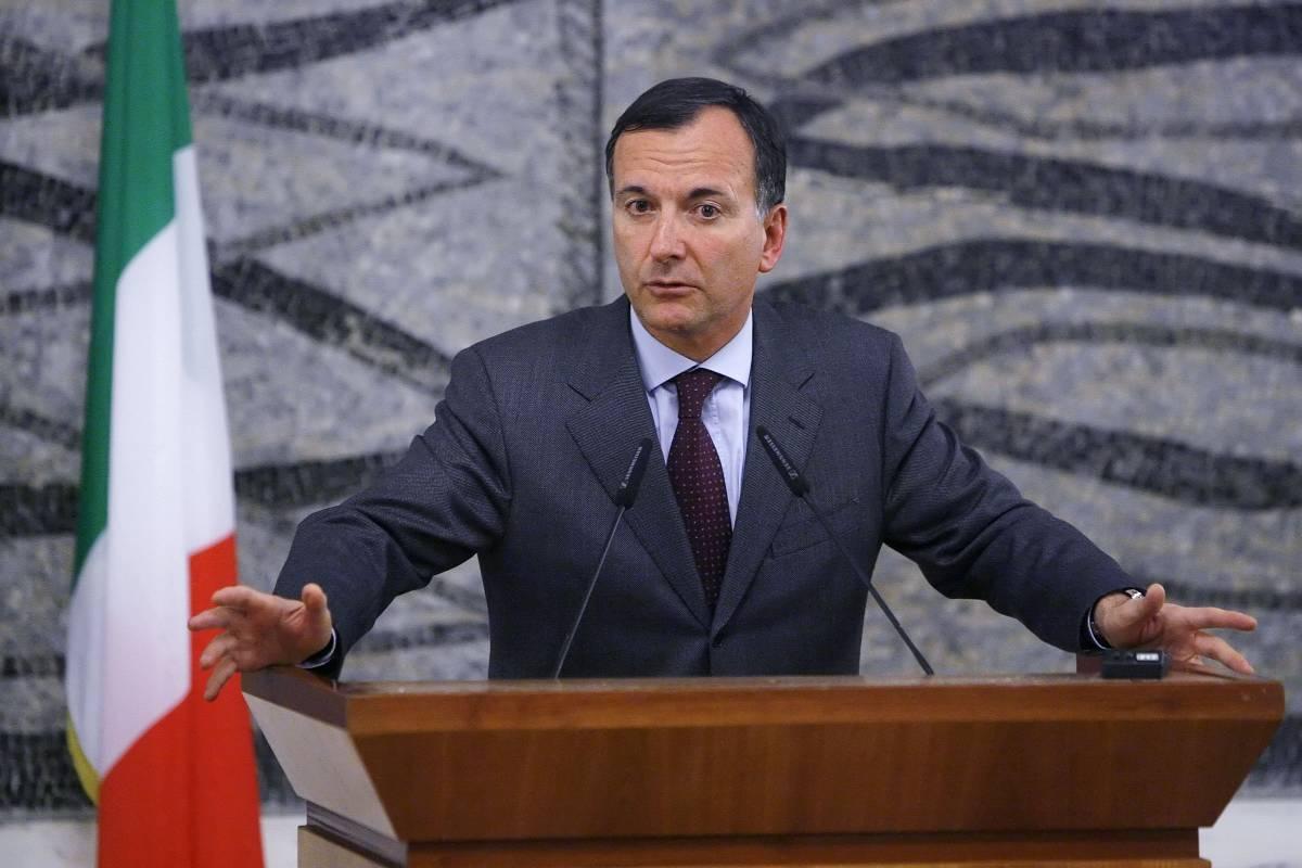 """Wikileaks, Frattini: """"E' l'11 settembre della diplomazia""""  I pm di Roma: """"Valutiamo se ci sono estremi di reato"""""""