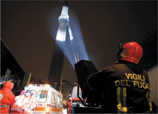 """""""Il soccorso sulla torre?  Un trucco per far fuggire  uno dei clandestini"""""""