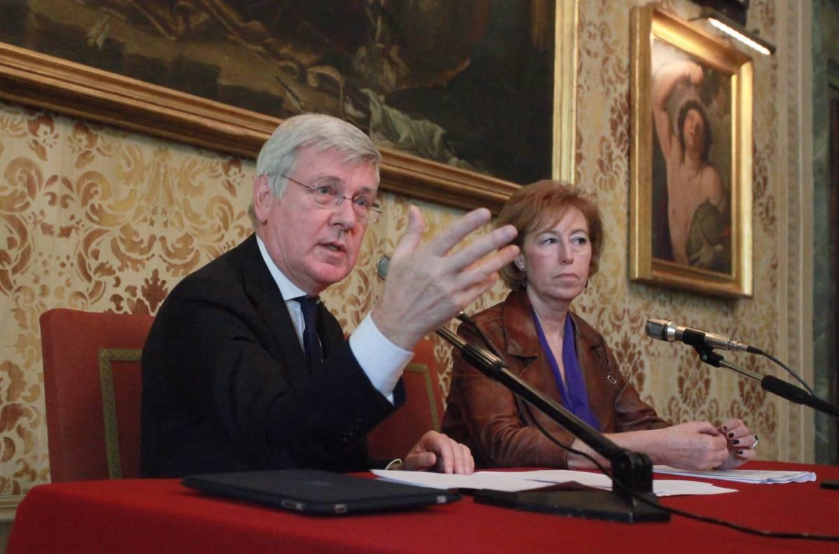"""Il ministro Romani lancia la campagna contro lo """"shopping contraffatto"""""""