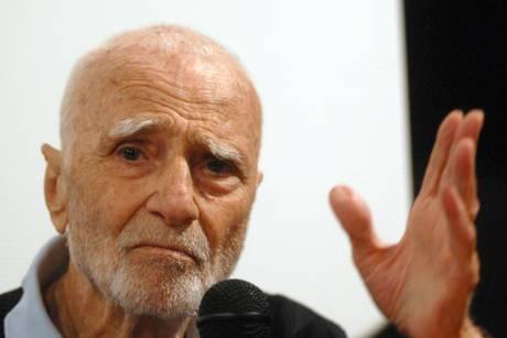Morto Mario Monicelli,  si è gettato dal balcone  il re della commedia