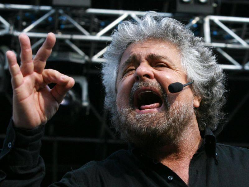 """Grillo attacca Santoro:  """"Chiudi Annozero"""", e lui:  """"Lo pensa anche il Cav"""""""