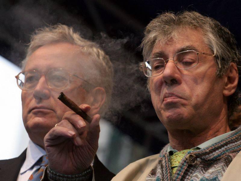 Bossi-Tremonti, patto del sigaro sul Welfare