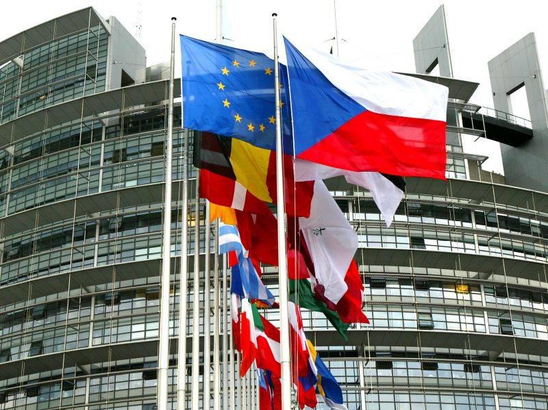 L'Europa è al bivio:   eleggiamo un leader
