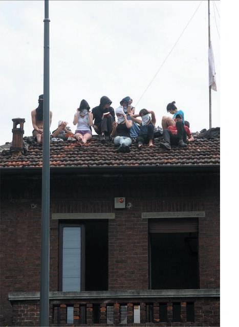 """Genova, ecco il """"vero"""" piano casa del Pd:  il Comune ristruttura (e paga) i centri sociali"""