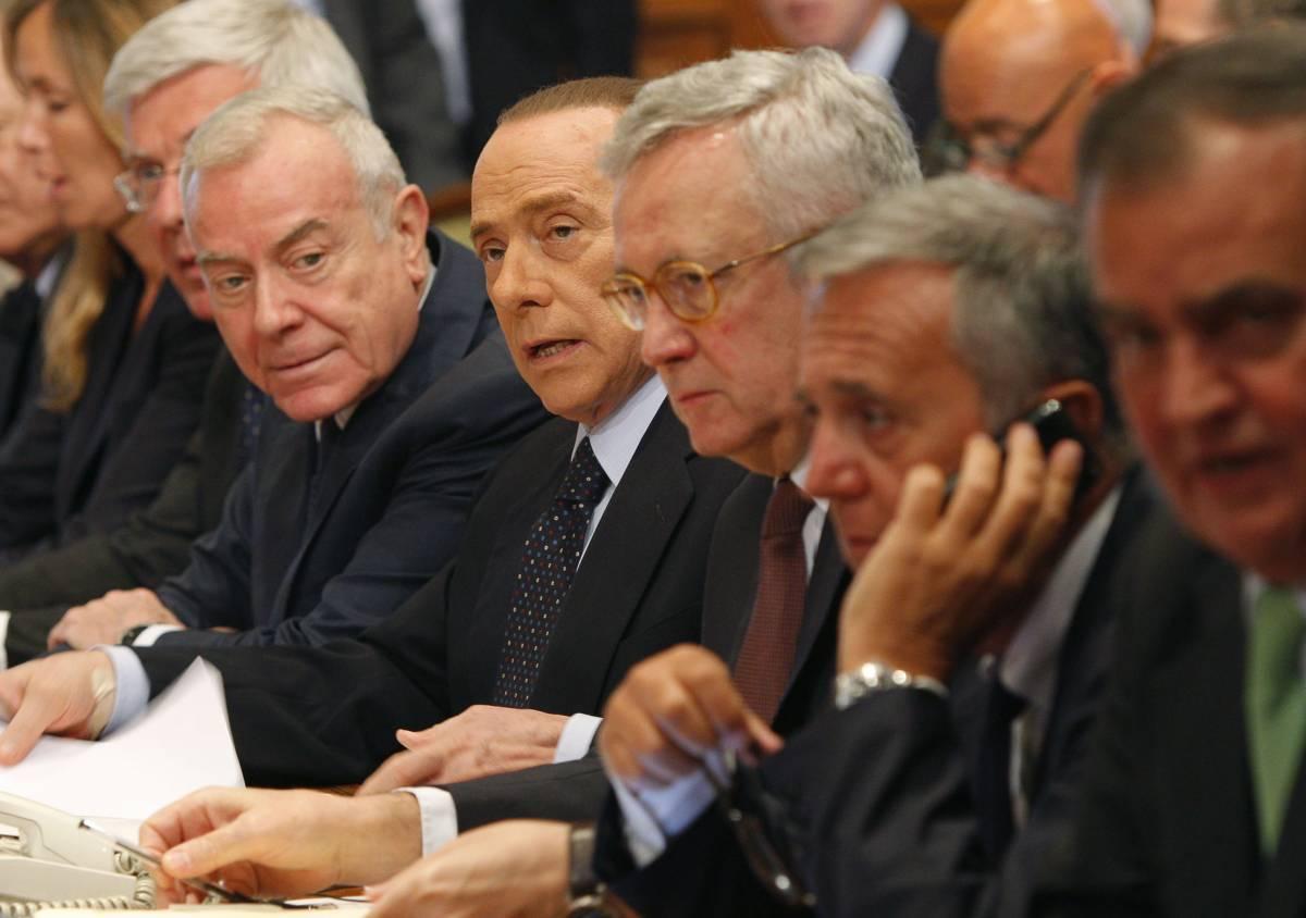 """Berlusconi: """"Uniti o salta tutto davvero"""""""