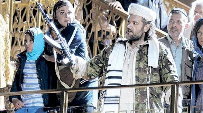 Polemiche sul Mosè-Bin Laden col kalashnikov