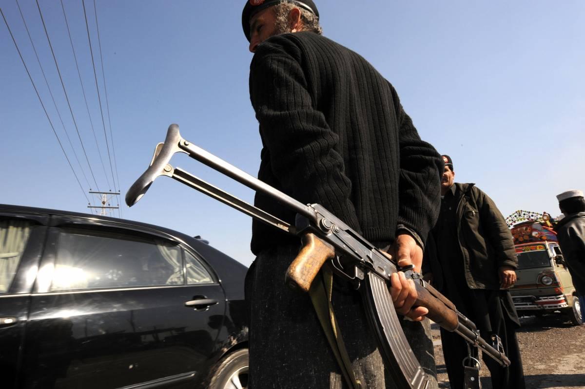 Kabul, attacco alla residenza del governatore  Nel blitz sono morte sedici persone, 29 i feriti
